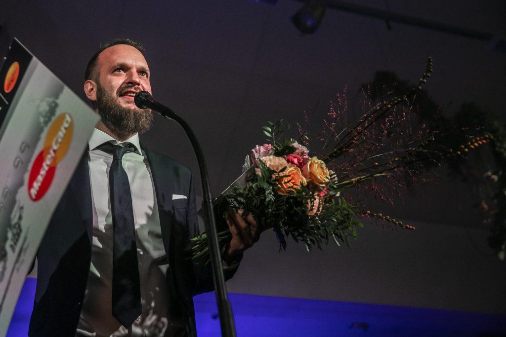 Årets Kulturstipendiat ljusdesignern Henrik Lundin.